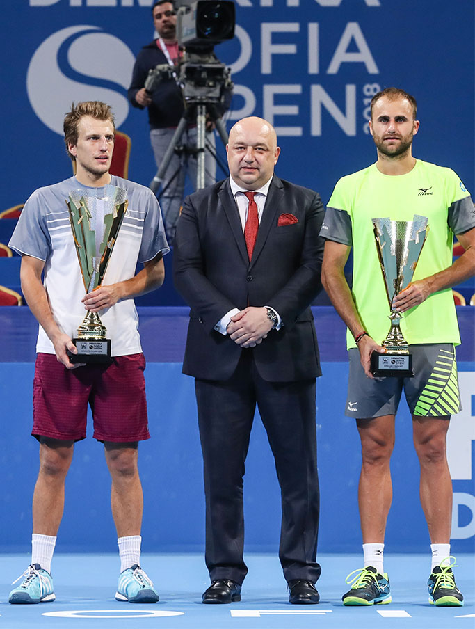 Marius Copil and Mirza Basic during the award ceremony, ATP Sofia Open